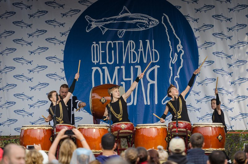 Фестиваль «День омуля» в Листвянке